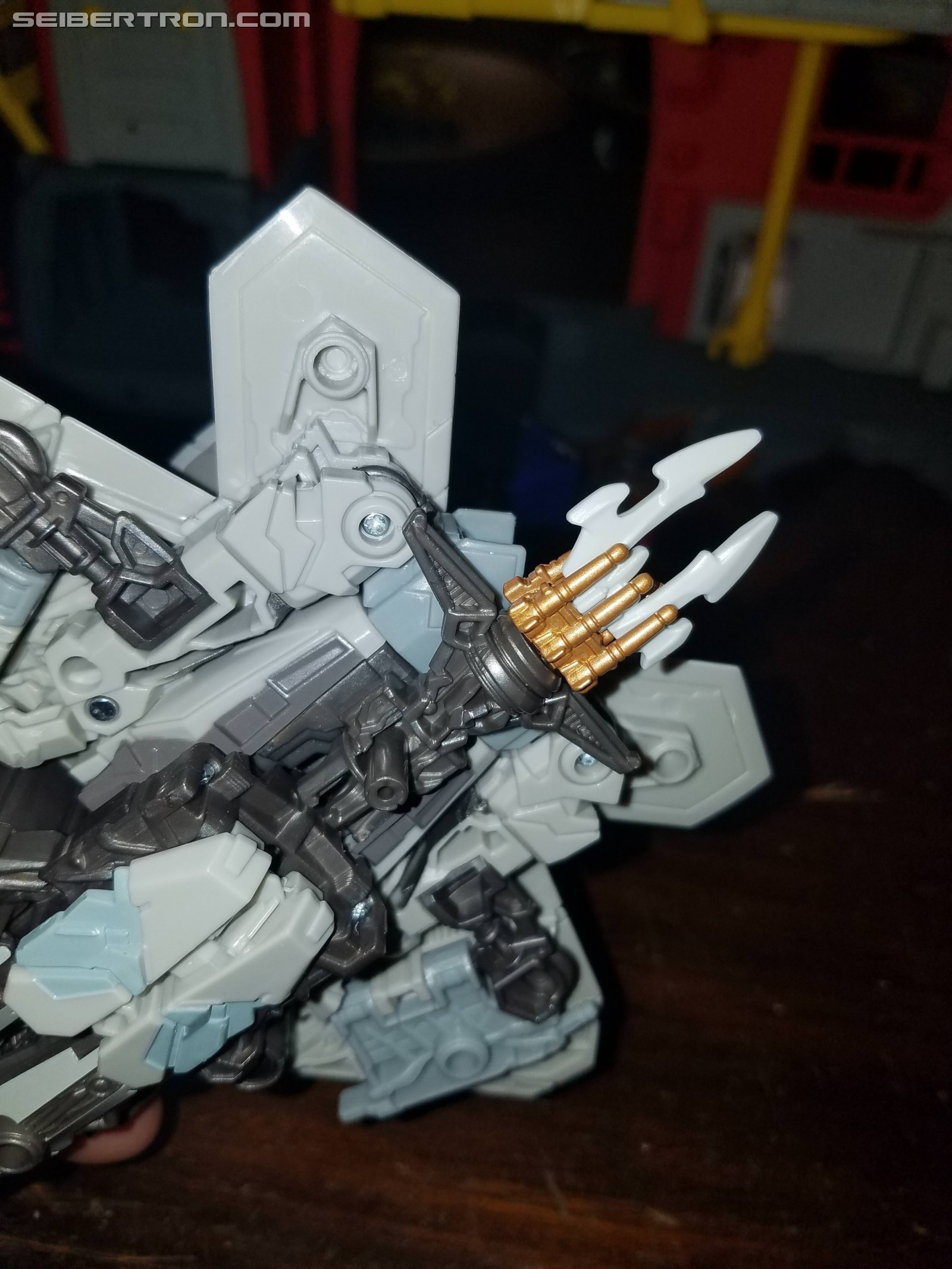 Transformers News: Pictorial Reviews for Transformers Studio Series Starscream and Optimus Prime