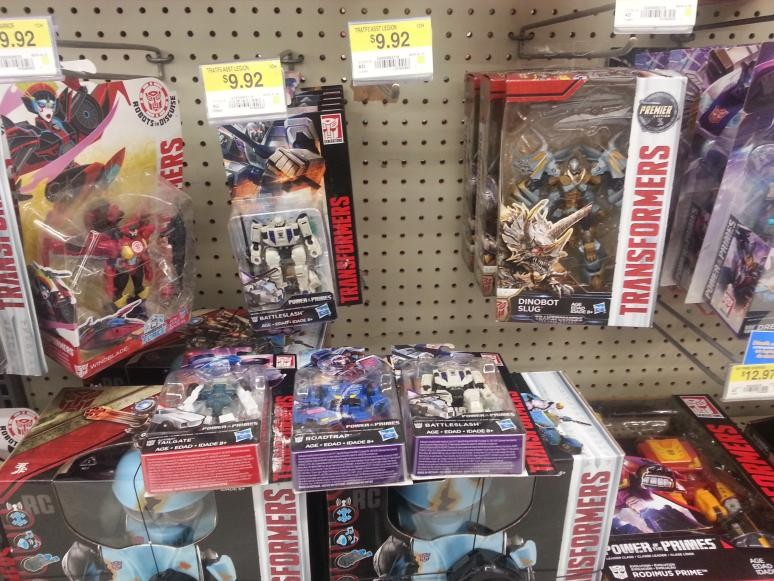Transformers News: New Canadian Sightings Include POTP Wave 2 Legends and Voyagers, Studio Series Deluxes and Voyagers