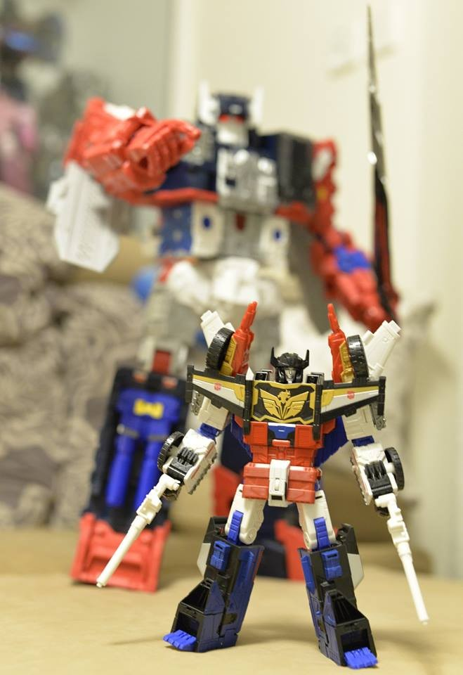 Transformers News: In-Hand Images of Takara Tomy Transformers Legends LG-EX Greatshot and Grand Maximus