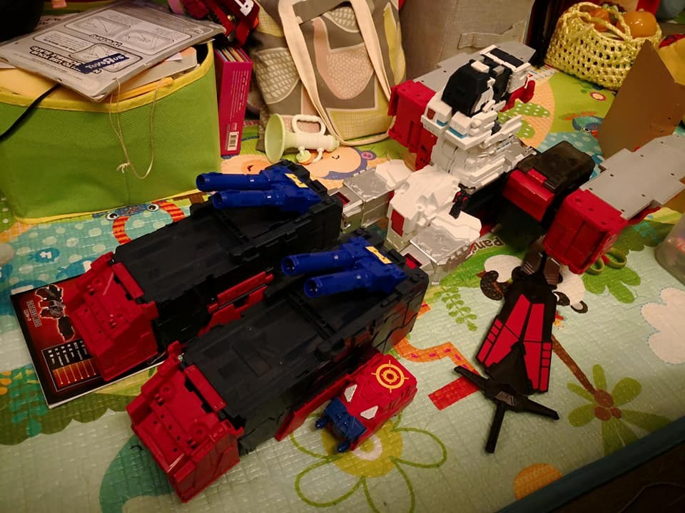 Transformers News: More In-Hand Images & Comparisons of Takara Tomy Transformers Legends LG-EX Grand Maximus