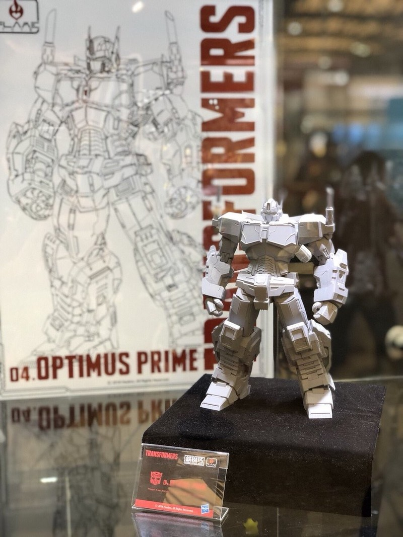 Transformers News: Images of Flame Toys IDW Non-Transforming Optimus Prime Prototype