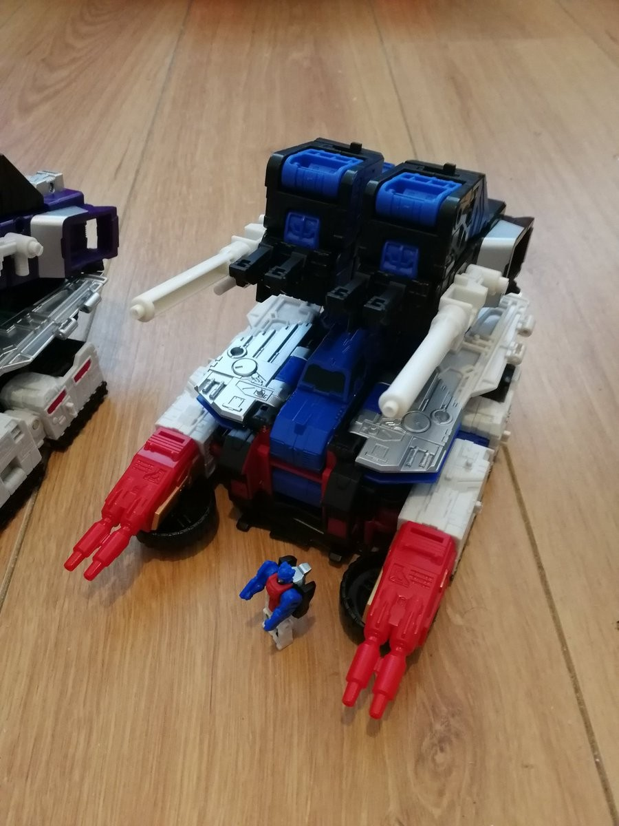 Transformers News: Pictorial Review & Comparisons of Takara Tomy Transformers Legends LG-EX Greatshot