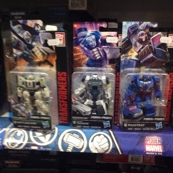 Transformers News: Transformers Power of the Primes Wave 1 Deluxe and Voyagers, Wave 1 Studio Series Leaders Sighted In