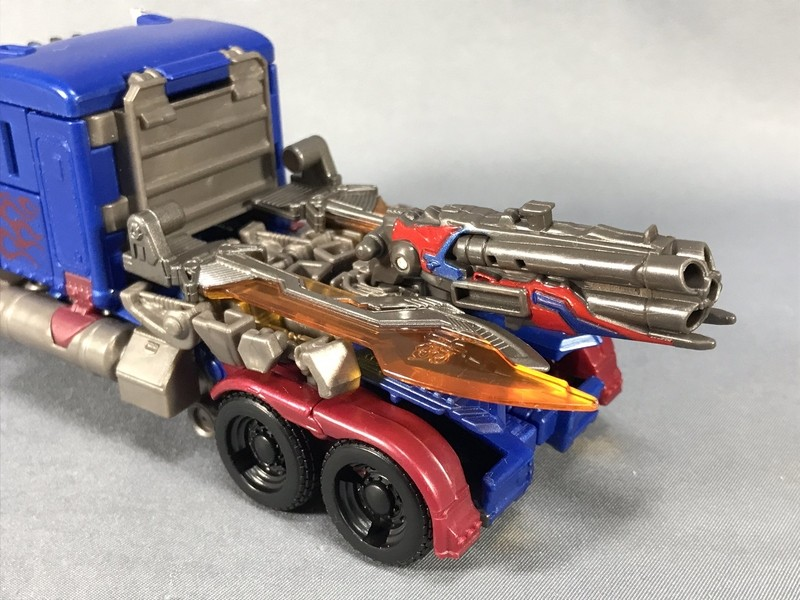 Transformers News: More In Hand Images of Takara Tomy Transformers Quad Barreled Shotgun