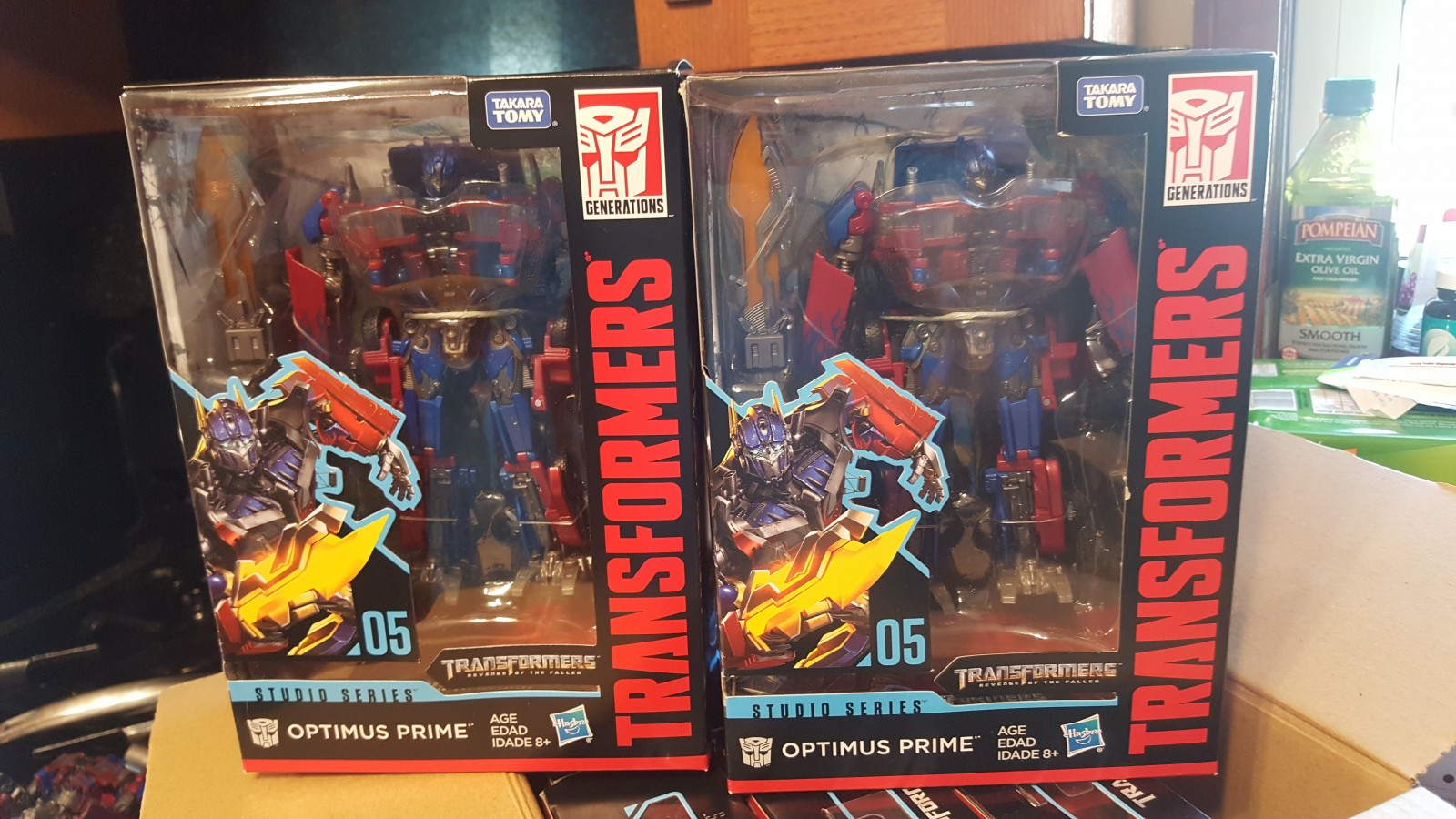 Transformers News: Variant Transformers Studio Series Optimus Prime with Blade Colour Difference