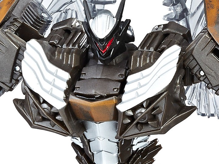 Transformers News: Universal Exclusive Transformers: The Last Knight Snarl Coming to BBTS