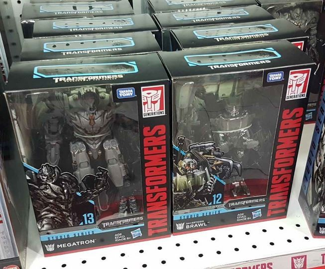 Transformers News: First Global Sighting of Transformers Studio Series Voyagers Brawl and Megatron