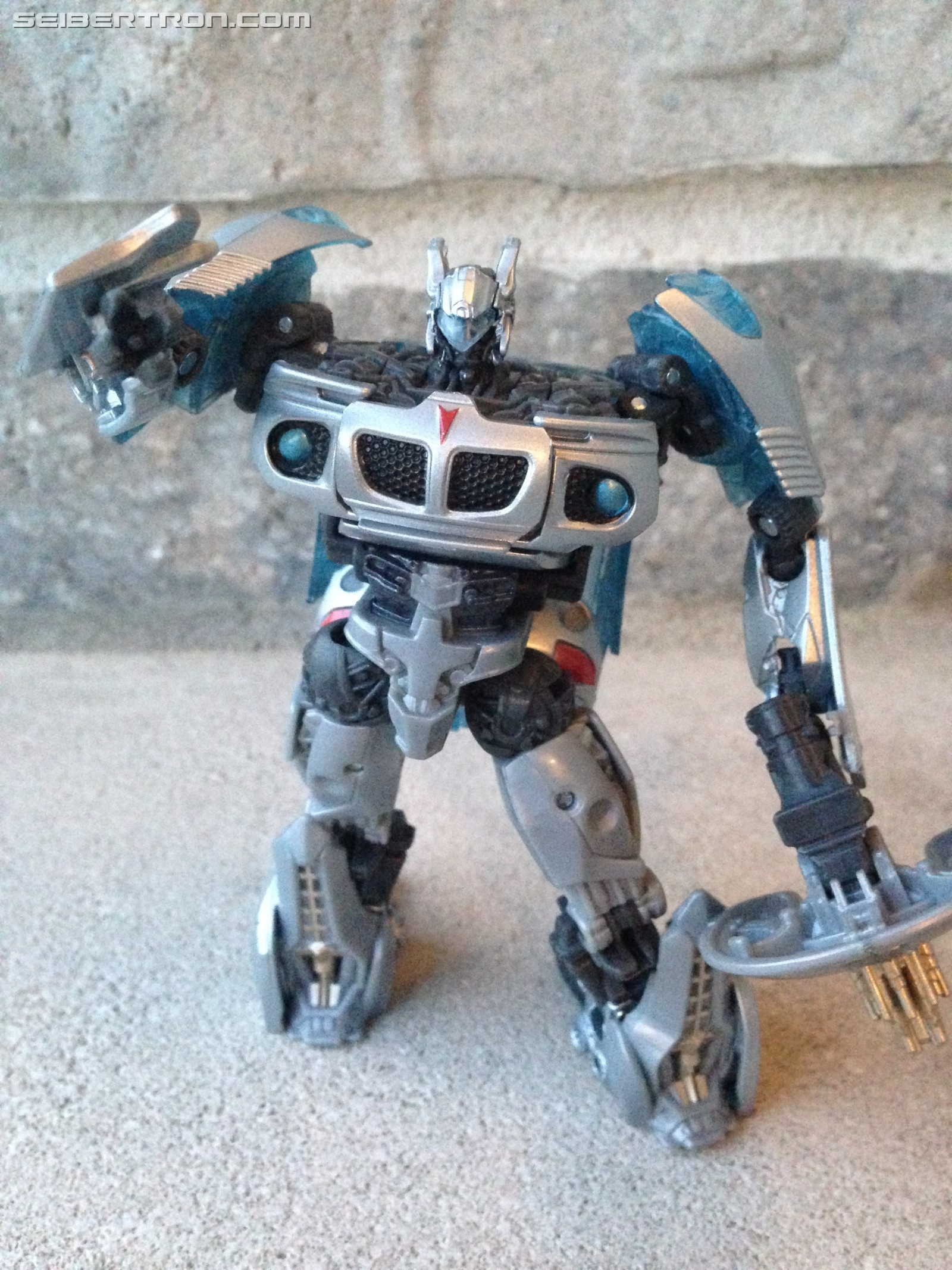 Transformers News: Pictorial Review of Transformers Studio Series Deluxe Jazz