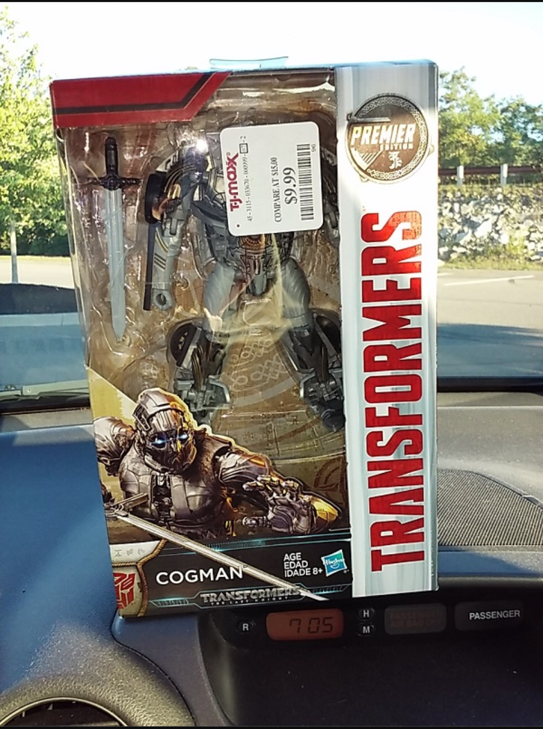 Transformers News: Transformers: The Last Knight Deluxe Cogman finally found at U.S. Retail