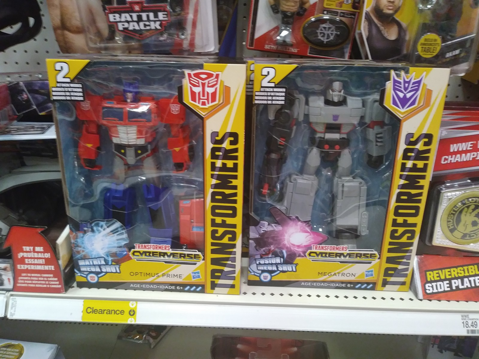 Transformers Cyberverse Ultra and Ultimate Figures at US Retail