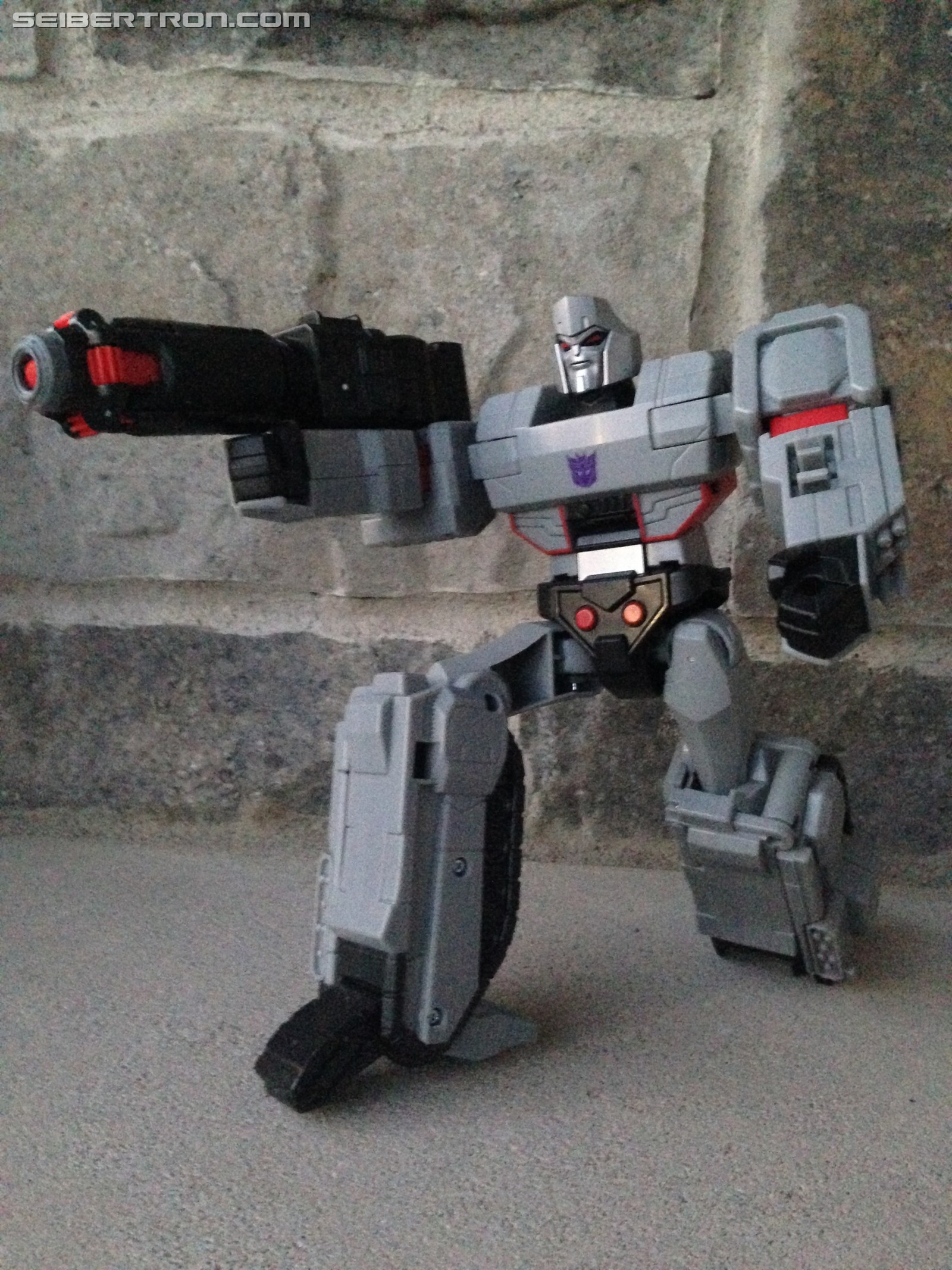 Transformers News: Pictorial Review for Cyberverse Ultimate Megatron