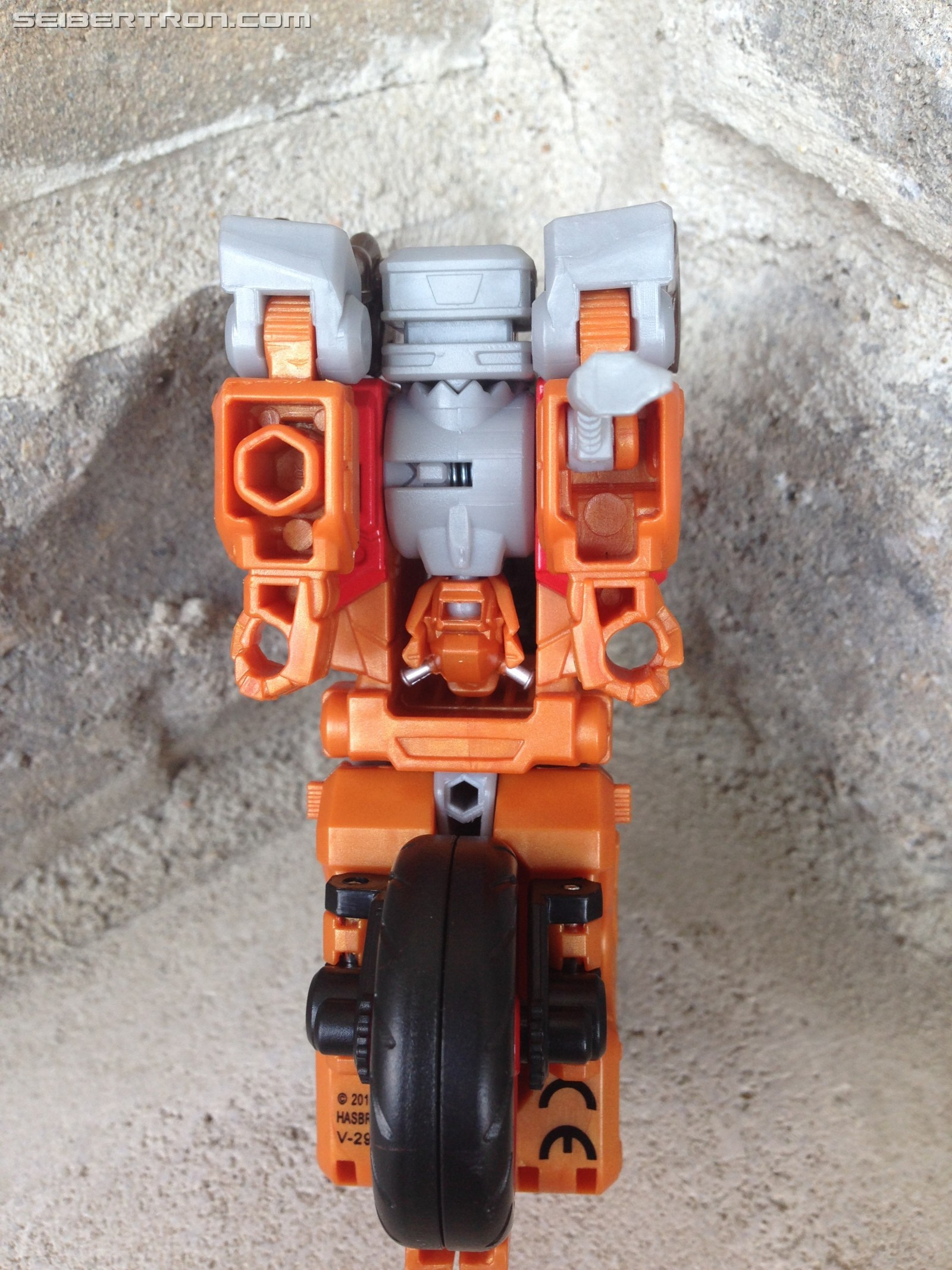 Transformers News: Pictorial Review of Transformers Power of the Primes Wreck-Gar