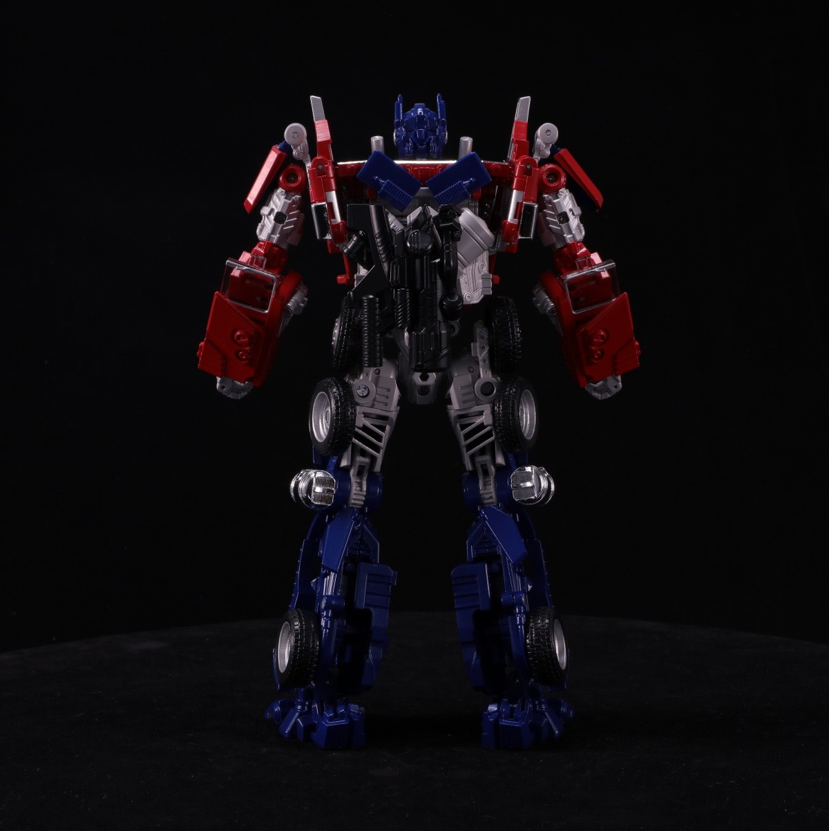 Transformers News: Turnaround Images of Takara Tomy Transformers Bumblebee Movie BB-02 Legendary Optimus Prime