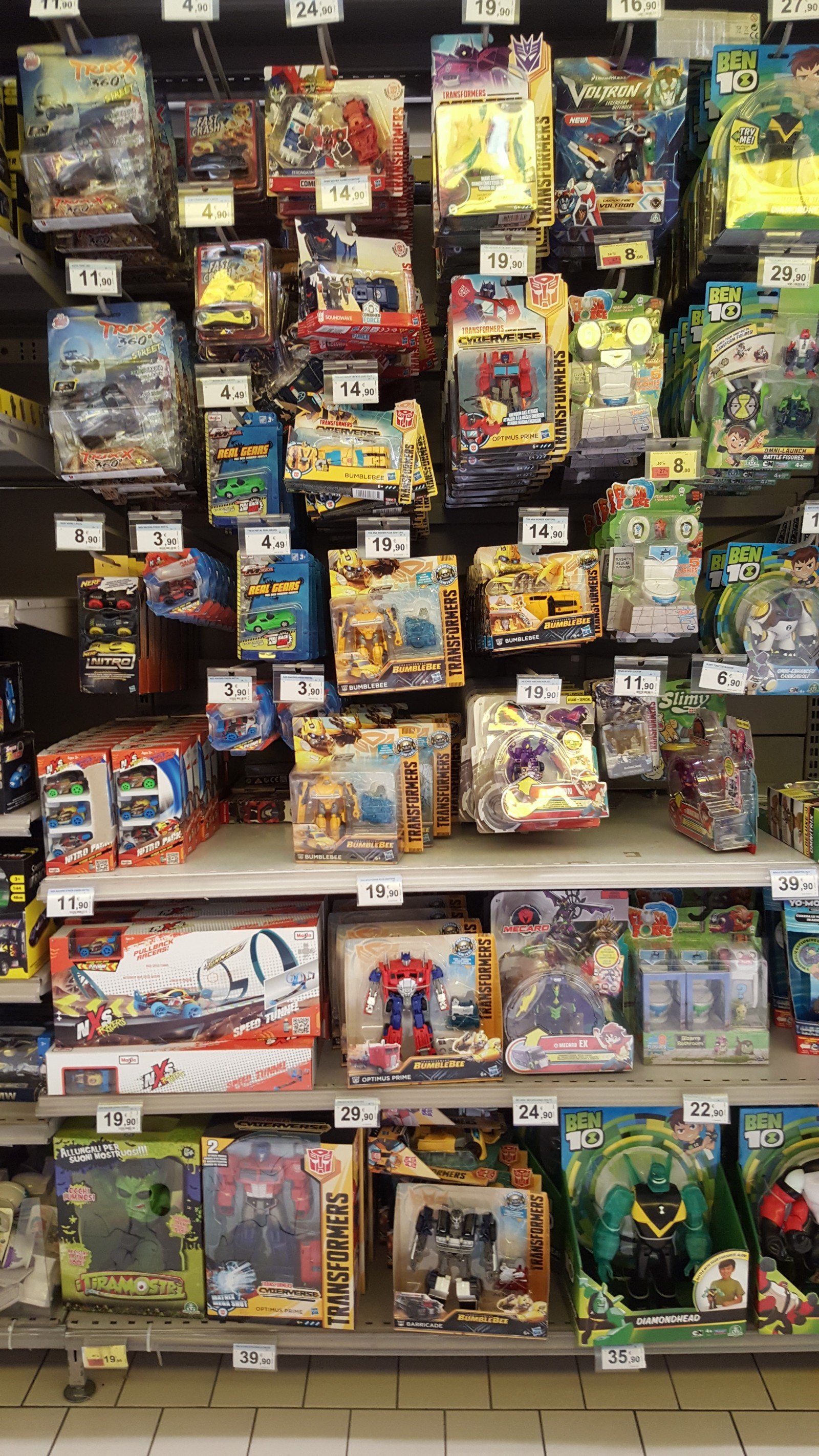 Transformers News: Transformers Bumblebee Movie Toys Sighted in Italy