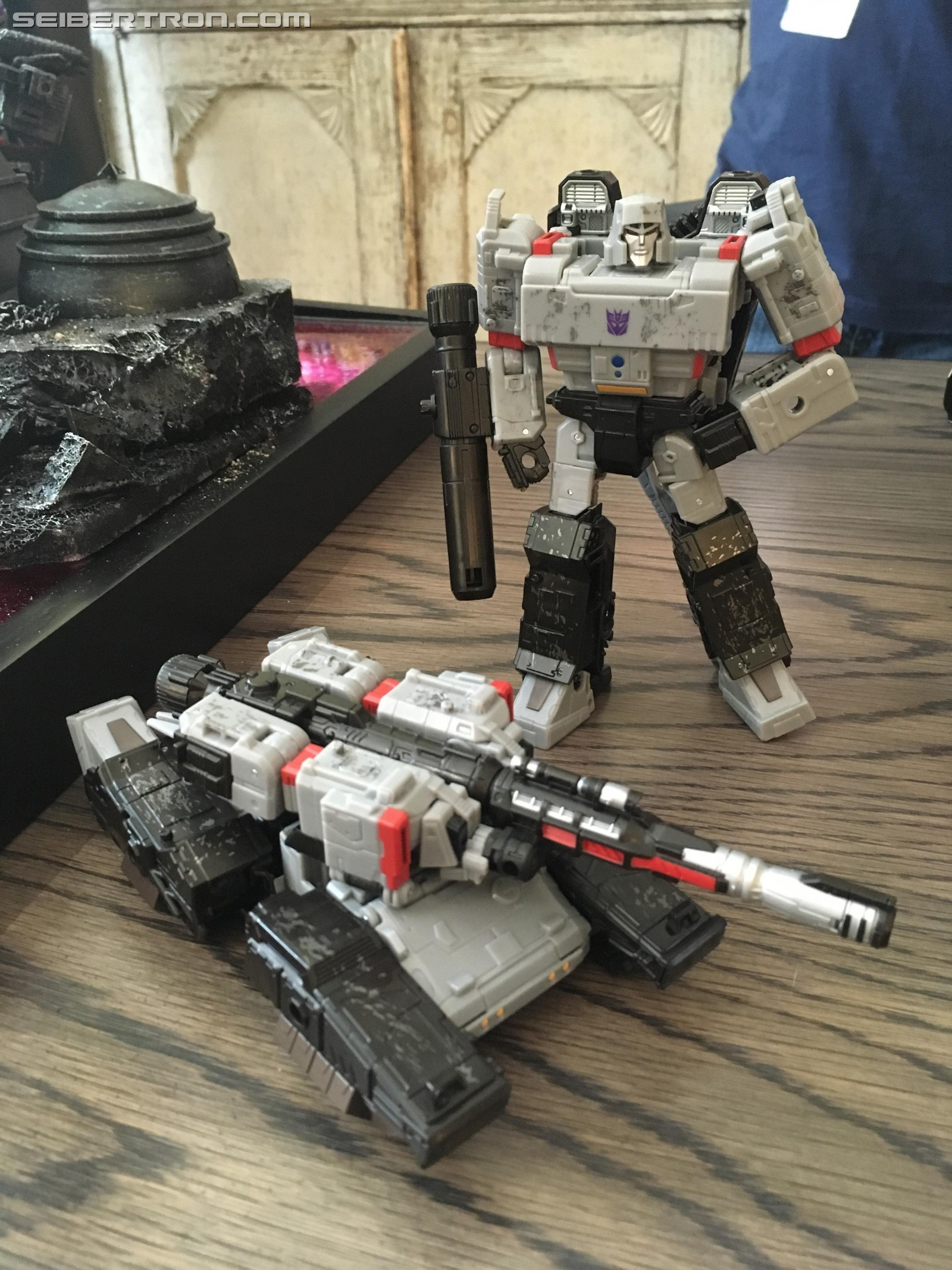 Transformers News: New Pictures From Transformers War For Cybertron: Siege Display at #NYCC: Flywheels, Shockwave,