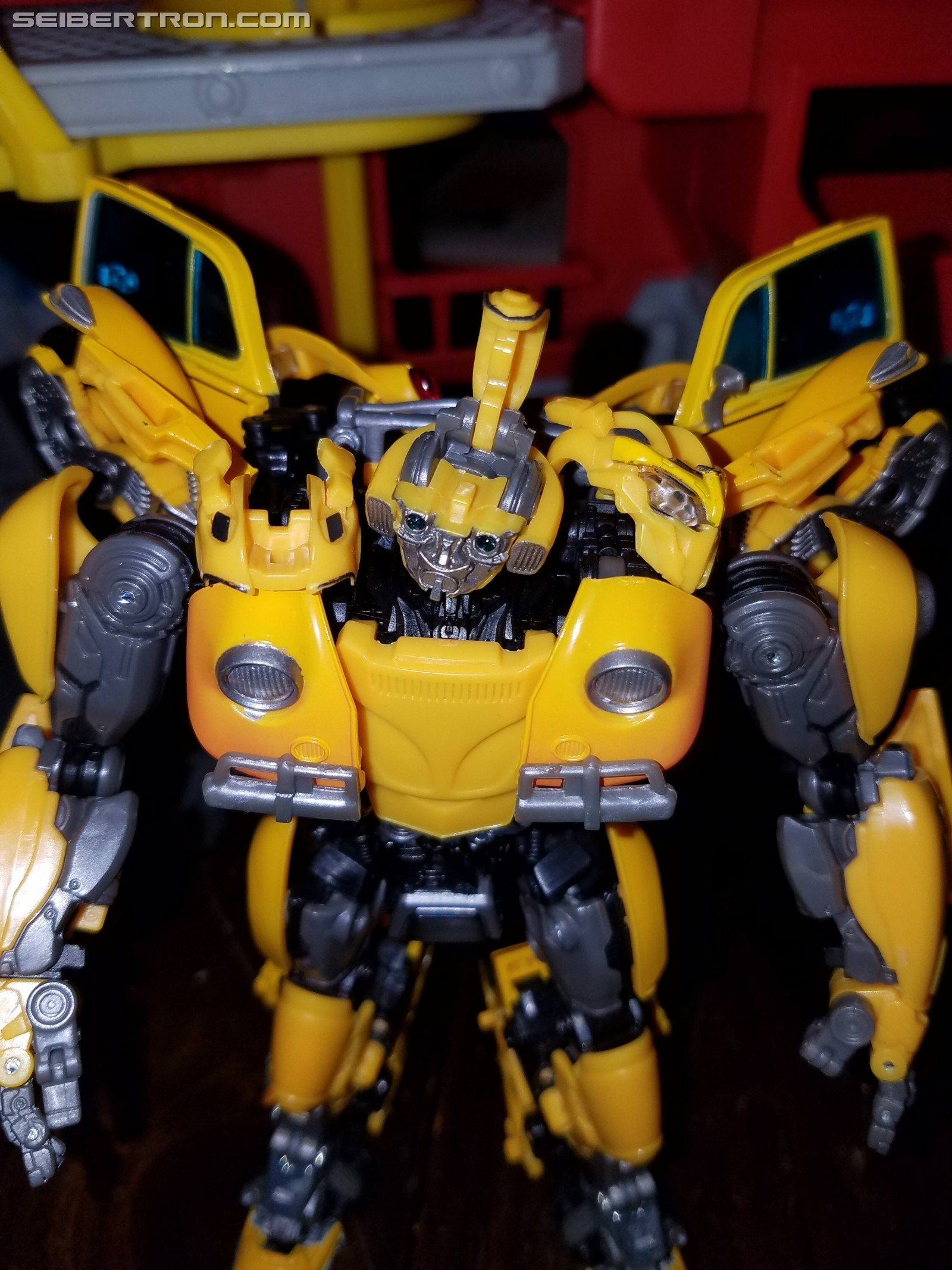 Transformers News: Pictorial Review for Transformers Movie Masterpiece MPM-7 Volkswagen Bumblebee