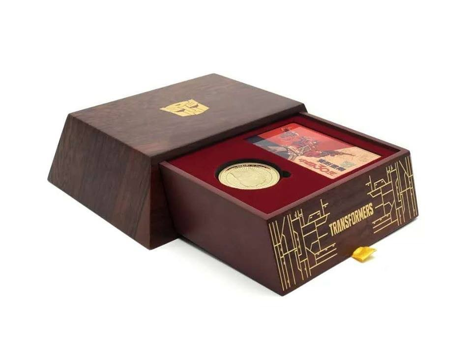 Transformers News: Hasbro Transformers 30th Anniversary Chinese Collector Coin and Box