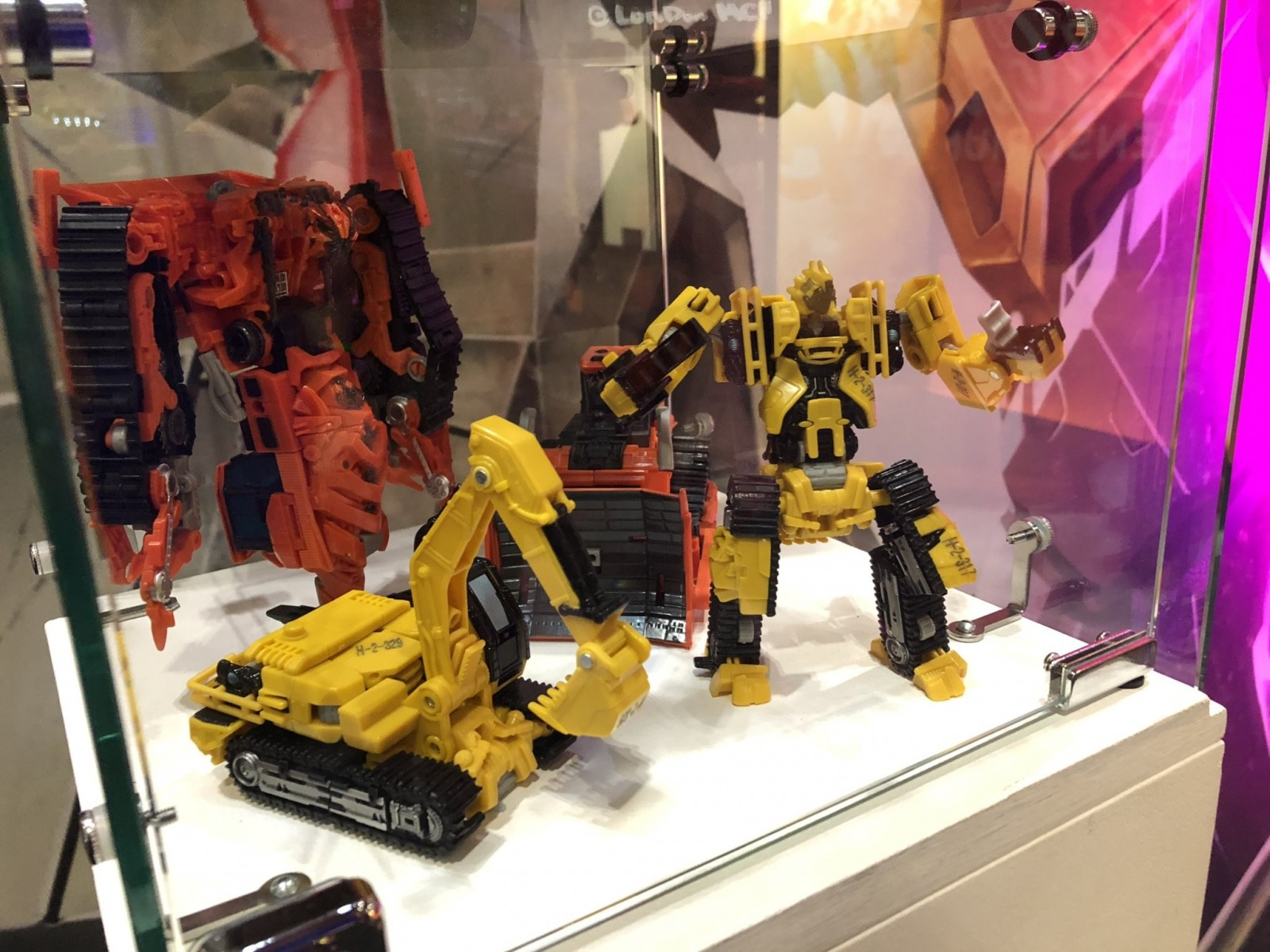 Transformers News: Studio Series Long Haul, Cogman, Shatter Scrap Metal and Rampage Revealed at MCM London Comic-con