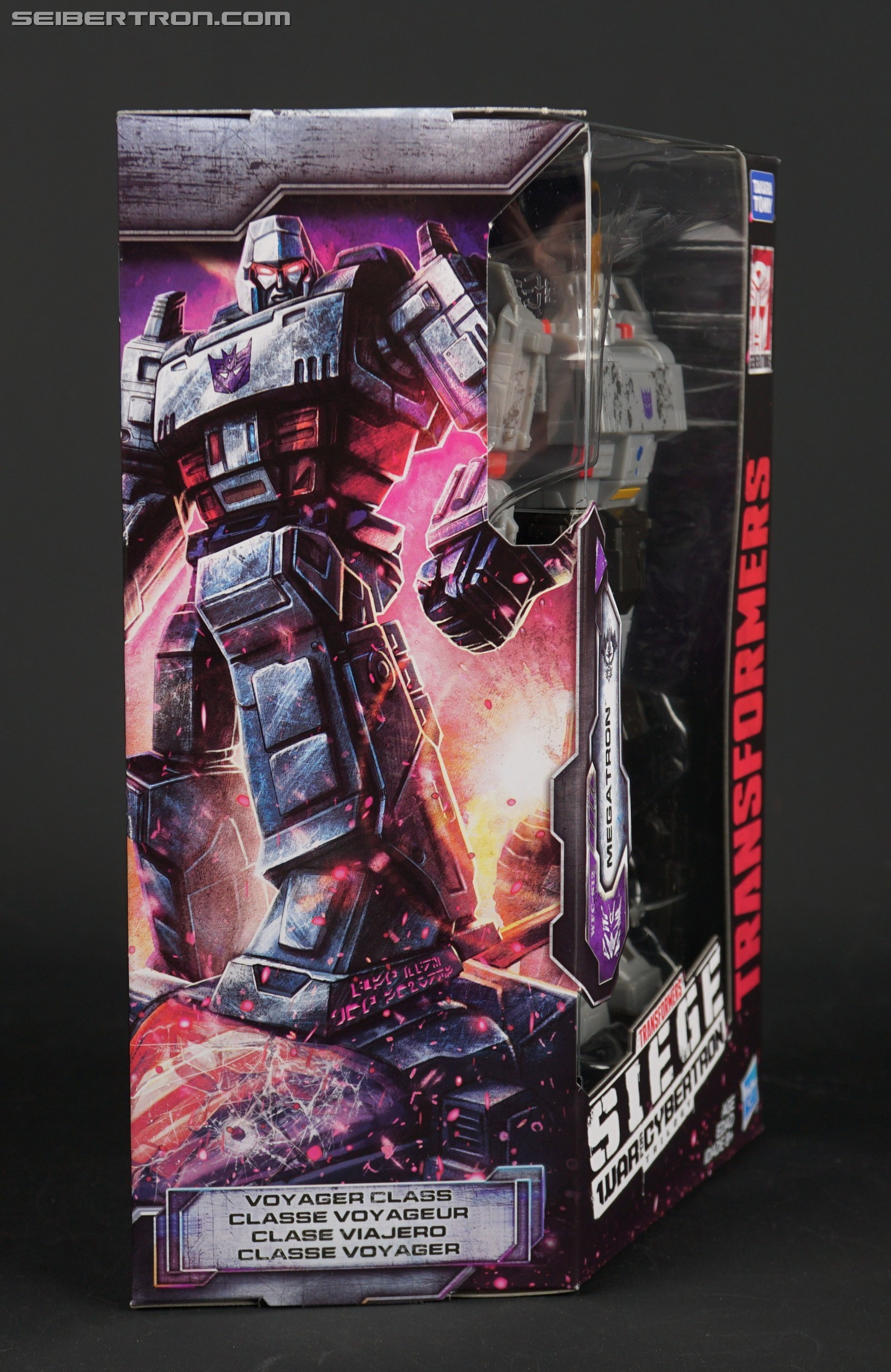 Transformers News: In Hand Images of Transformers WFC Siege Optimus Prime and Megatron