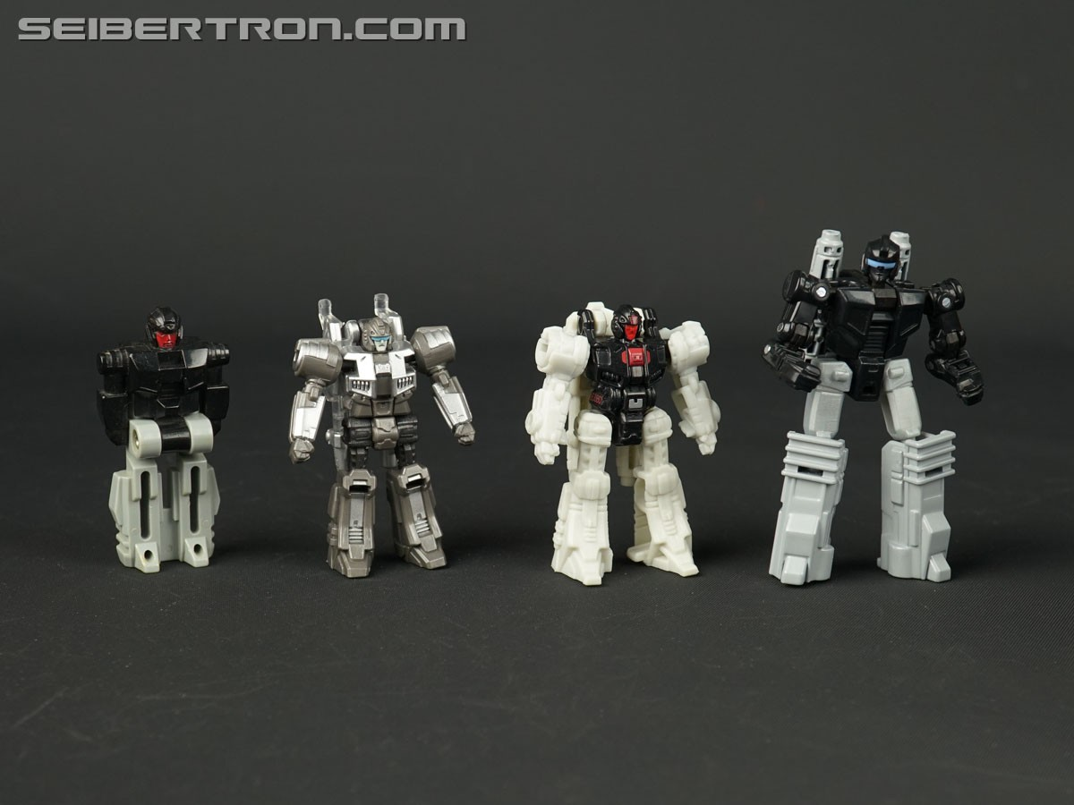 In-hand comparison pics of Battle Masters from Transformers