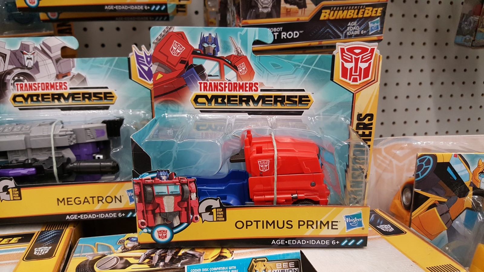 Transformers News: Re: Transformers Cyberverse one-step changers Wave 2 found at retail and 20% off Transformers at Meijers