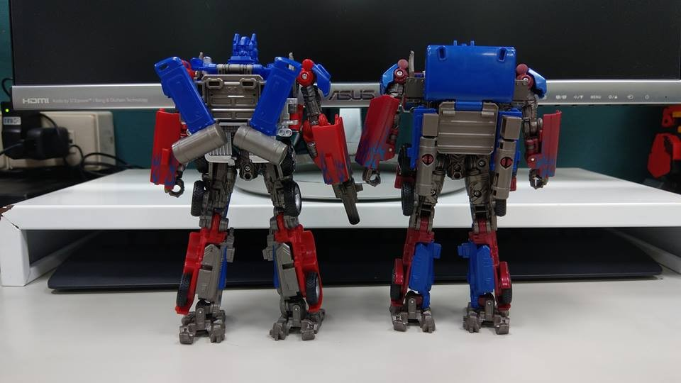 Transformers News: Studio Series News Roundup with New Sightings and Reviews + In Hand Images of Rampage and
