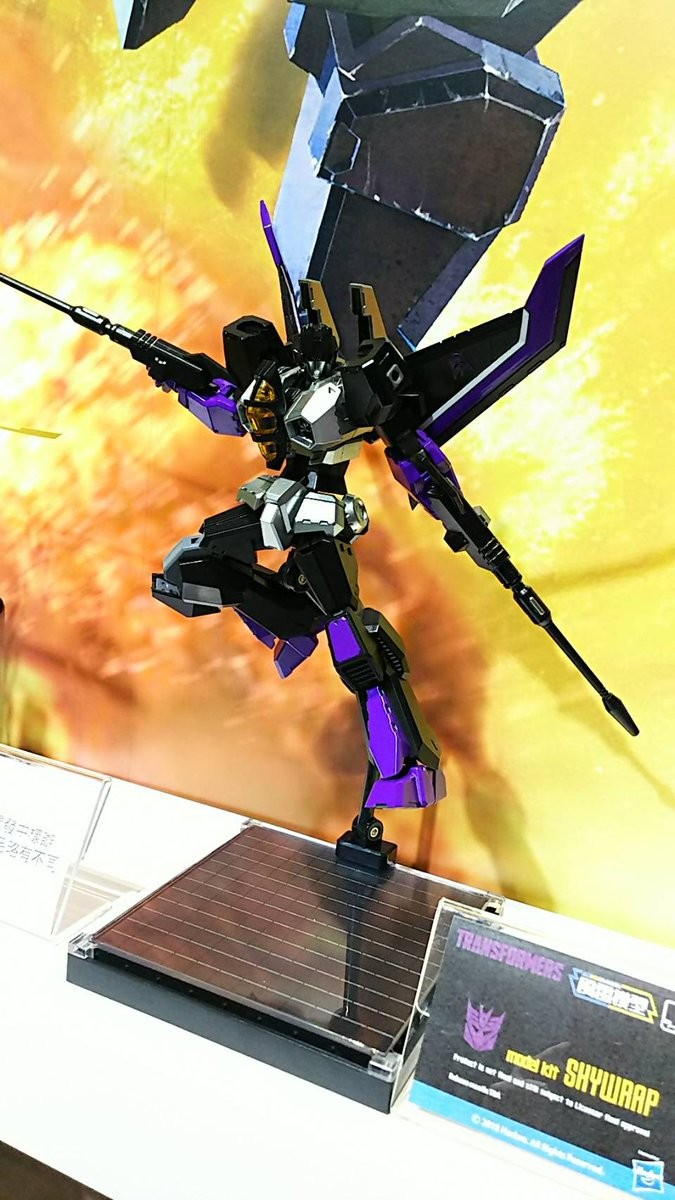 Transformers News: Flame Toys reveals Skywarp and Thundercracker plus more updates