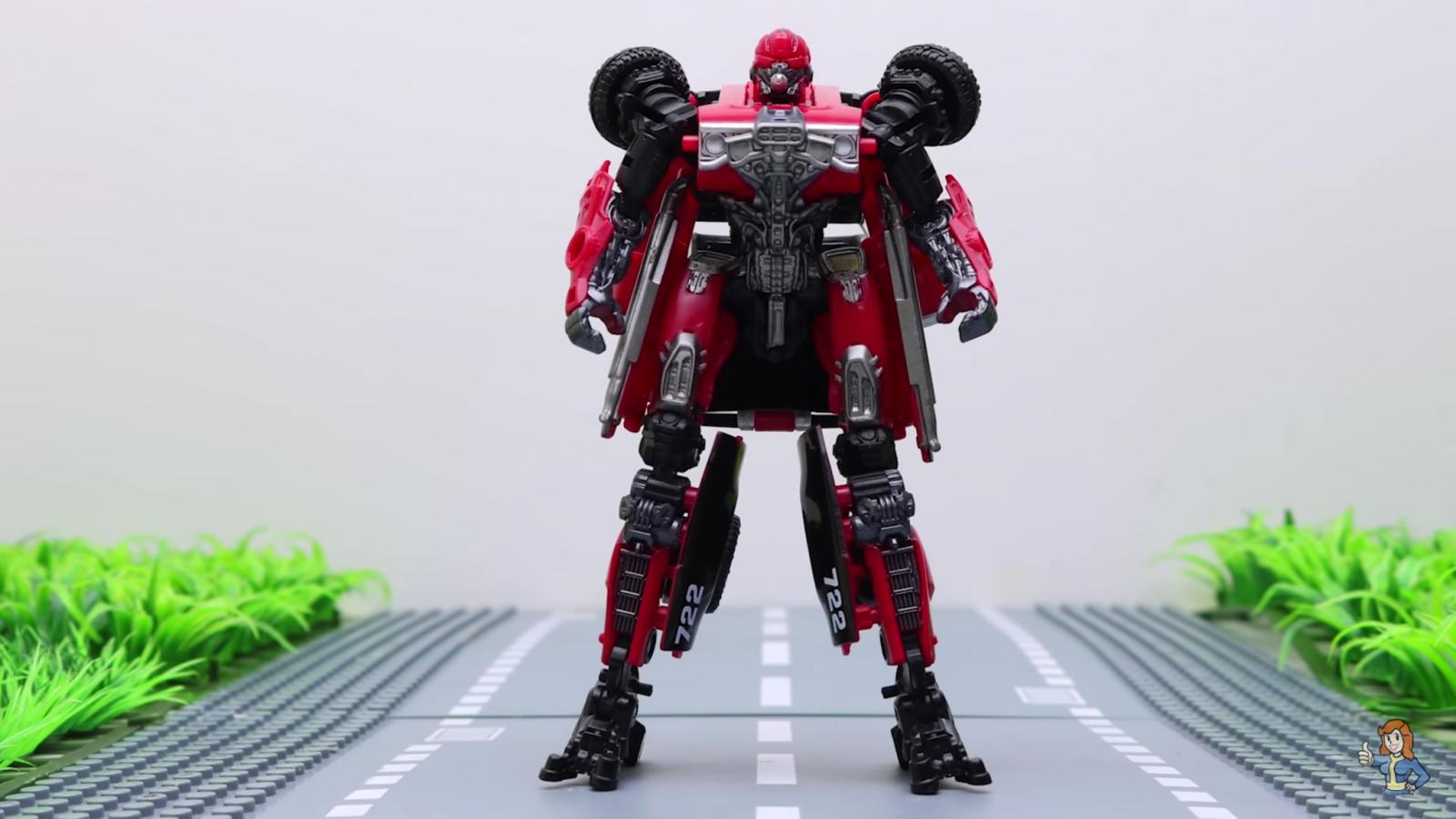 Transformers Hasbro Studio Series SS40 Deluxe Shatter Action Figure in stock New