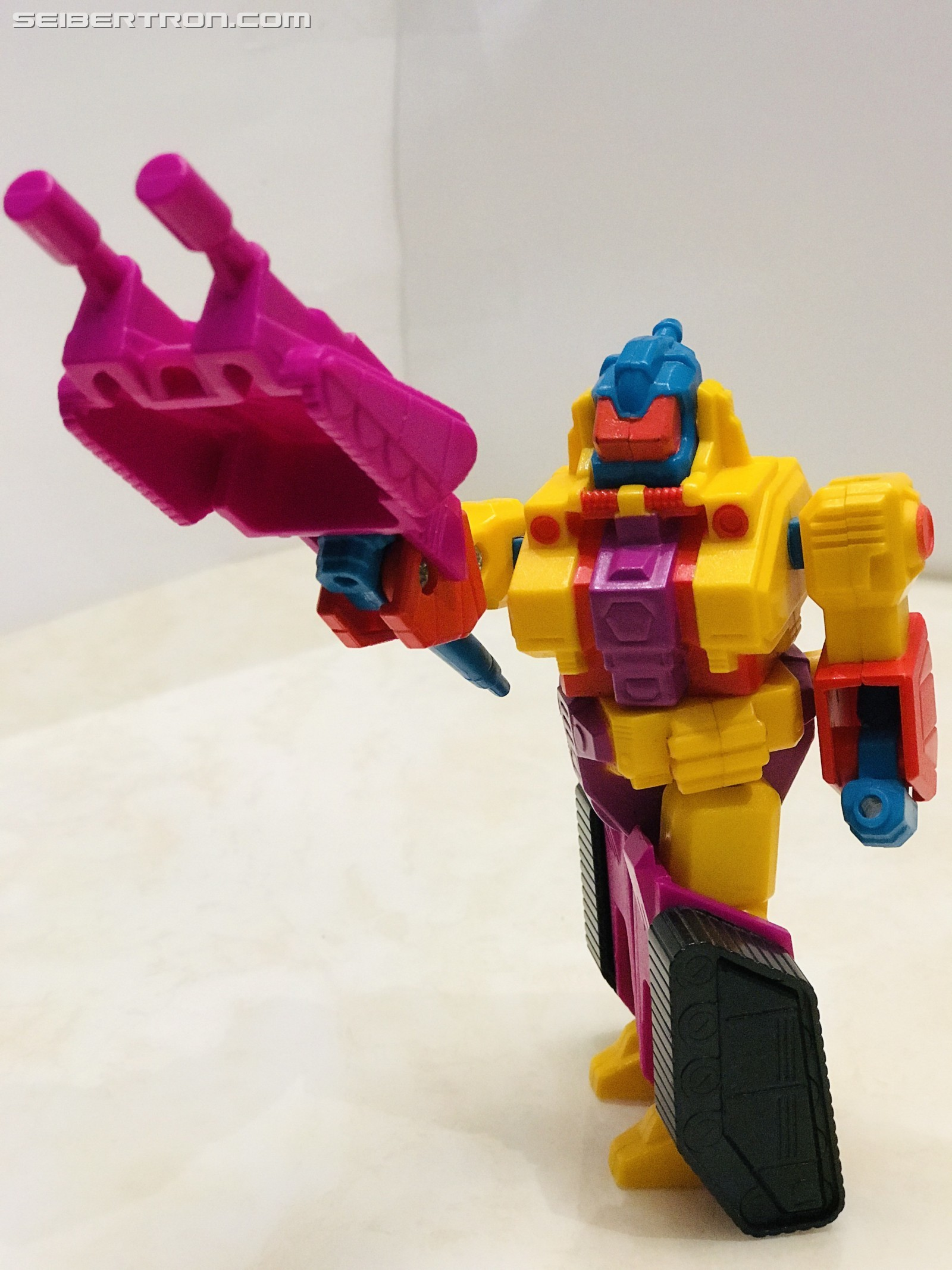 Transformers News: Pictorial Review of G1 Region Exclusive Omega Spreem