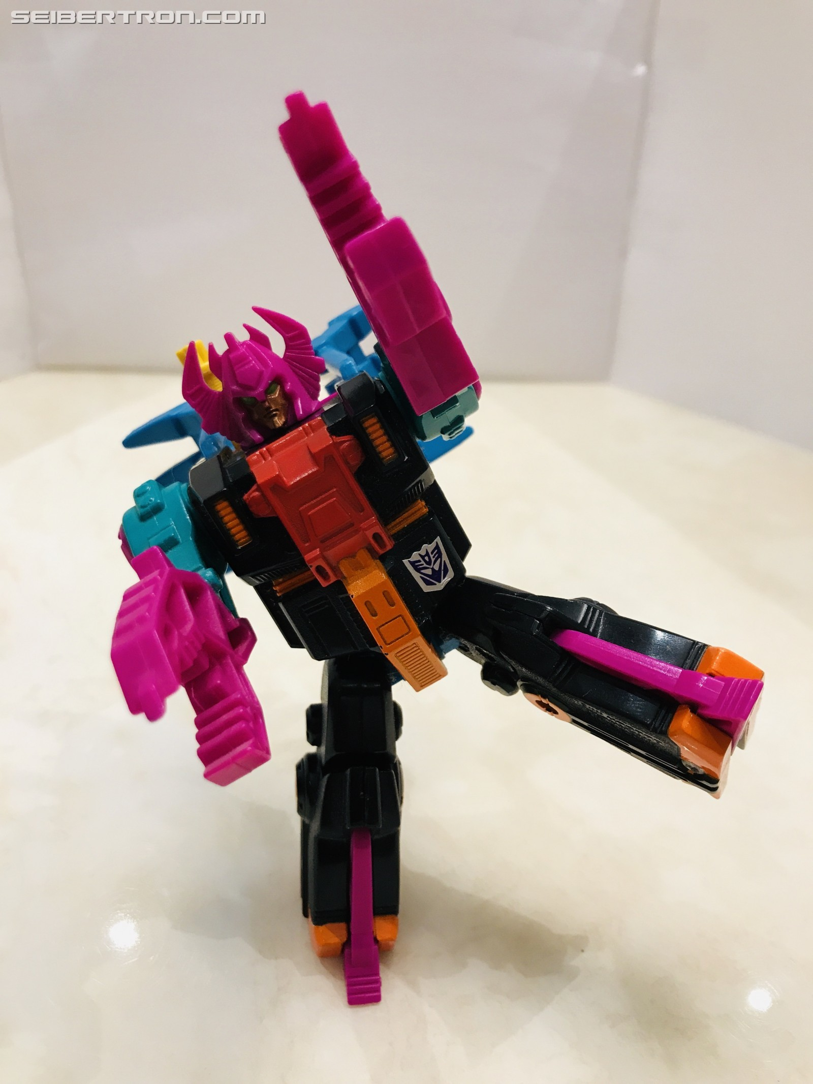 Transformers News: Pictorial Review of G1 Region Exclusive Double Punch