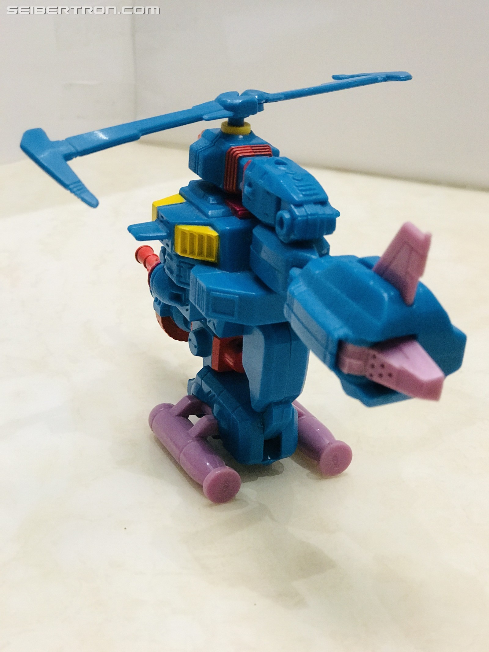 Transformers News: Pictorial Review of G1 Region Exclusive Windmill