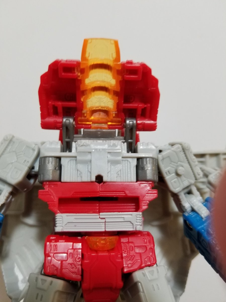 Transformers News: Running Change Found in Transformers War for Cybertron: Siege Starscream - Added Chest Pin