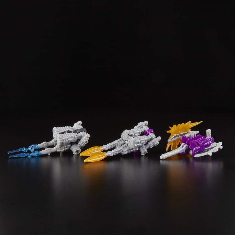 Transformers News: ransformers War for Cybertron Skywarp, Slamdance, G2 Sideswipe and more