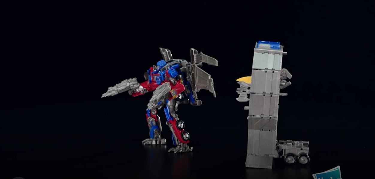 Transformers News: Dark of the Moon Leader Optimus on WalMart.com - Now With Multiple Images