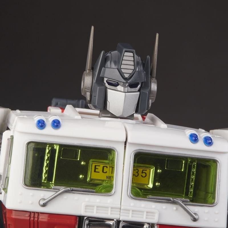 Transformers News: New Official Images of SDCC Exclusive Transformers x Ghostbusters MP-10G Optimus Prime