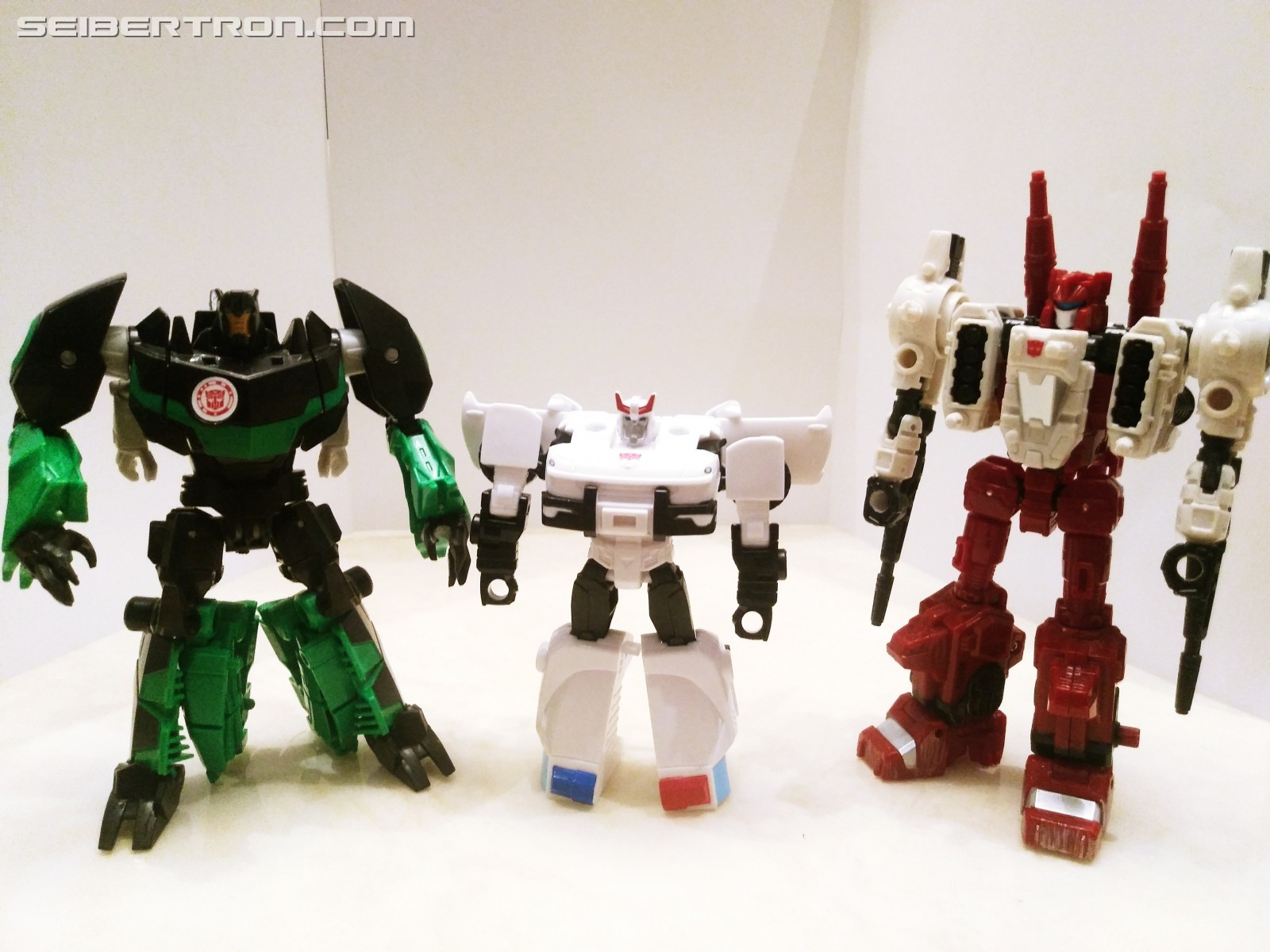 Transformers News: Pictorial Review for Cyberverse Spar Armor Battle Class Prowl