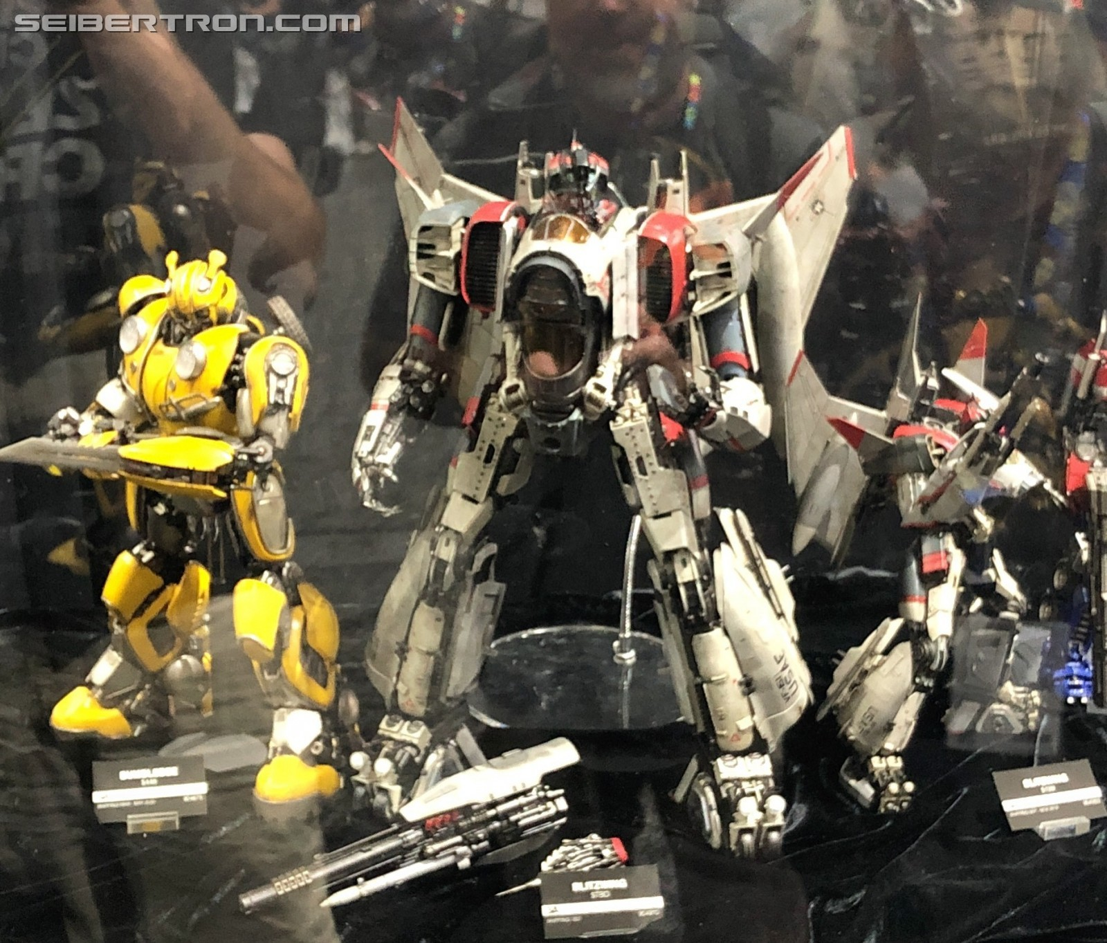 Transformers News: 3A Bumblebee Blitzwing Mondo Mecha Figures Batman and Captain America and More at #SDCC2019