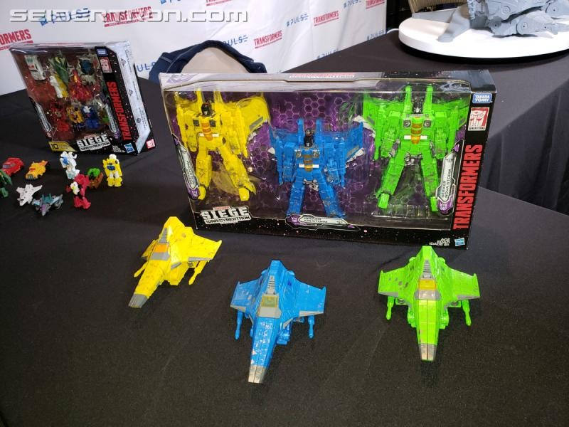 Transformers News: New Galleries for Siege Rainmakers, Refraktor, Impactor, Micromasters, Selects, More from #SDCC2019
