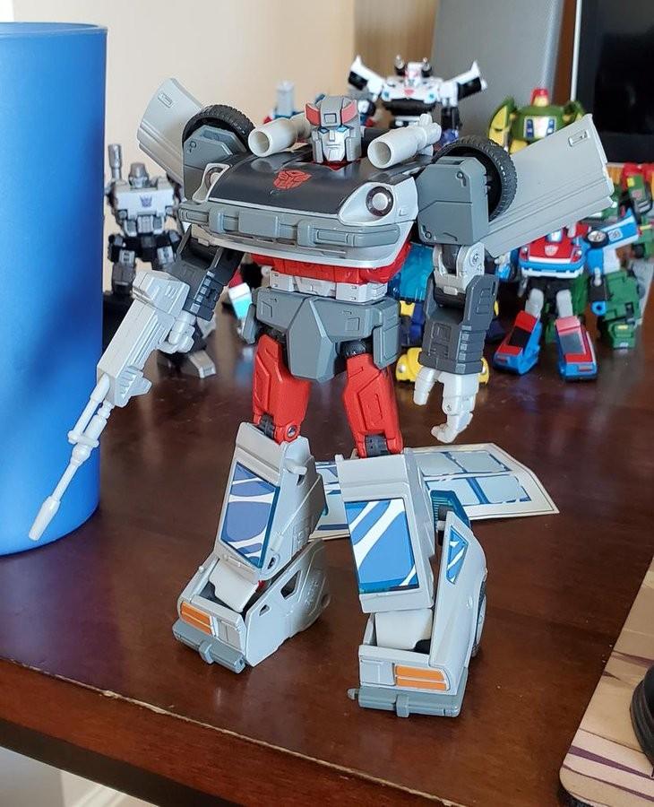 In STOCK Hasbro Transformers Materpiece MP-18 Blue Streak Anime Version w//Pin