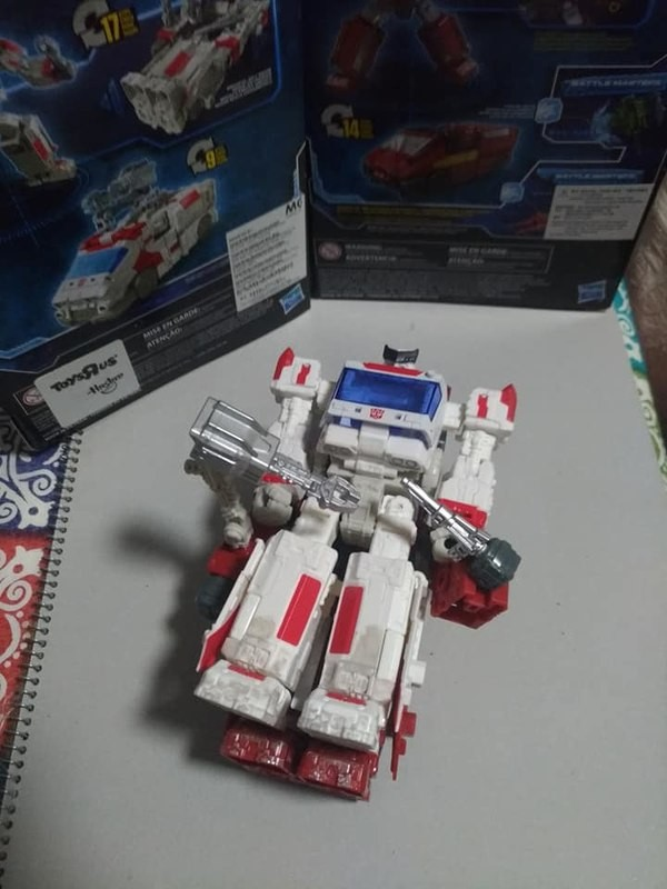 Transformers War for Cybertron Siege RATCHET Deluxe WFC Walgreens Exclusive