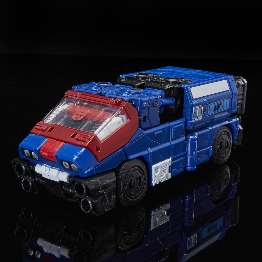 Transformers News: Stock Images of Transformers Siege Autobot/Decepticon Impactor, Barricade, Mirage, Astrotrain, More