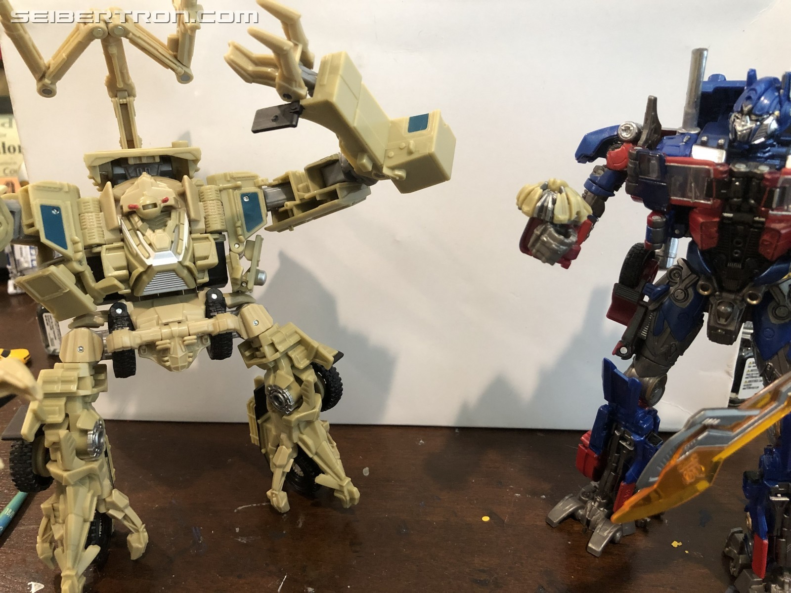 Transformers News: Image of Studio Series Bonecrusher Undocumented Decapitation Feature