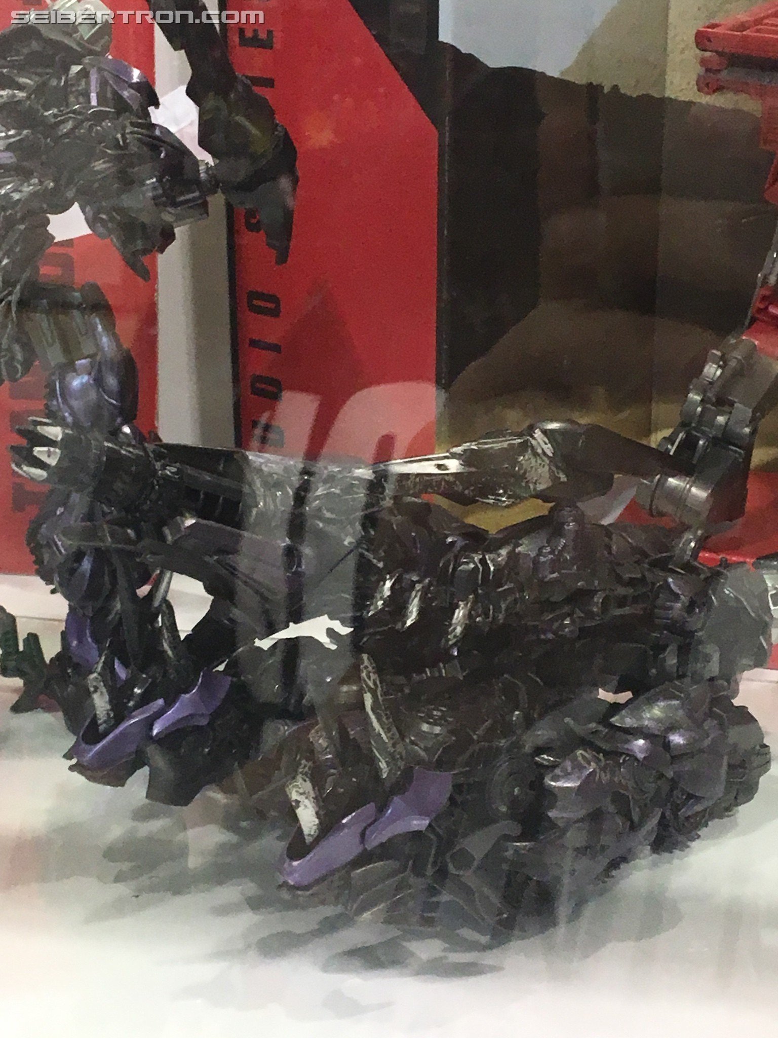 Transformers News: New Images of Latest Studio Series Reveals Gives a Good Look at Where the Demolishor Threads Go