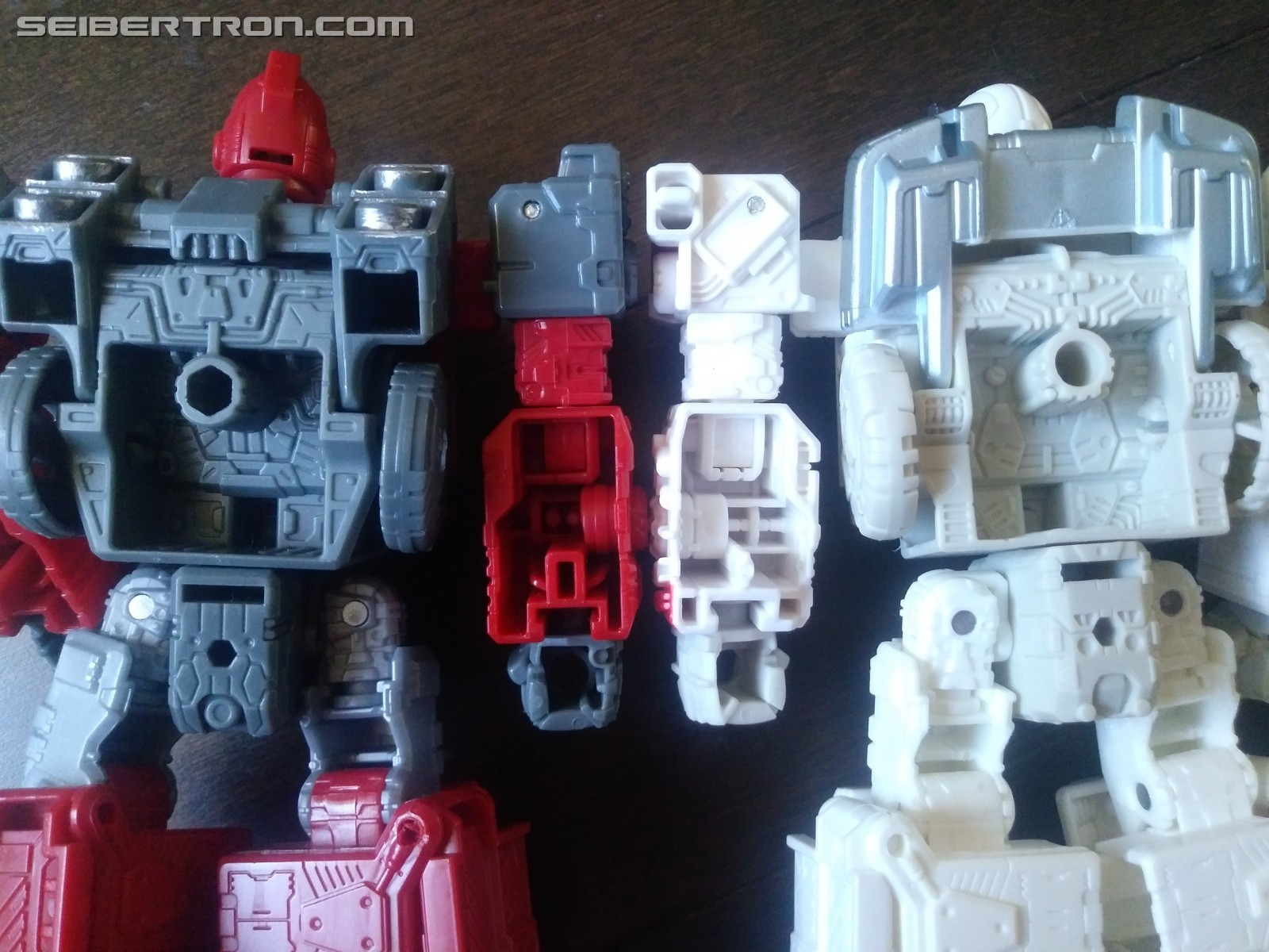Transformers News: Images Showing Just How Different Siege Ratchet is from Ironhide and New Sculpted Detail