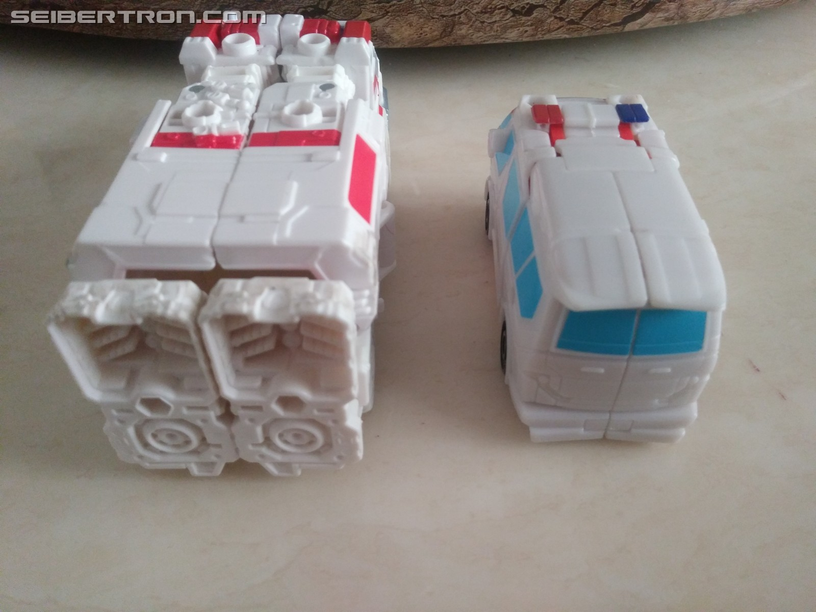Transformers News: Pictorial and Video review for Cyberverse Spark Armor Ratchet