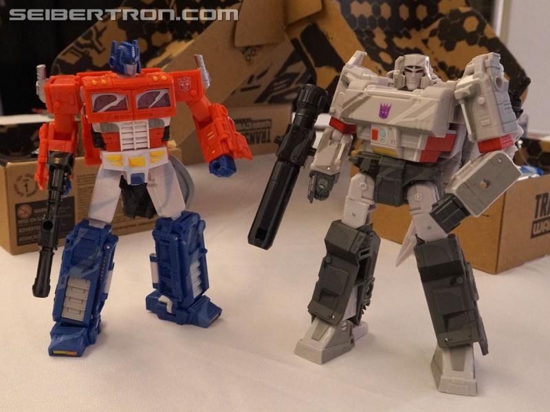 Transformers News: Transformers Generations Selects and 35th Anniversary Image Gallery and Video from #NYCC2019
