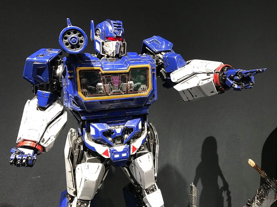 Transformers News: First Colored Images of the Upcoming Prime 1 Studio Bumblebee Movie Soundwave Statue