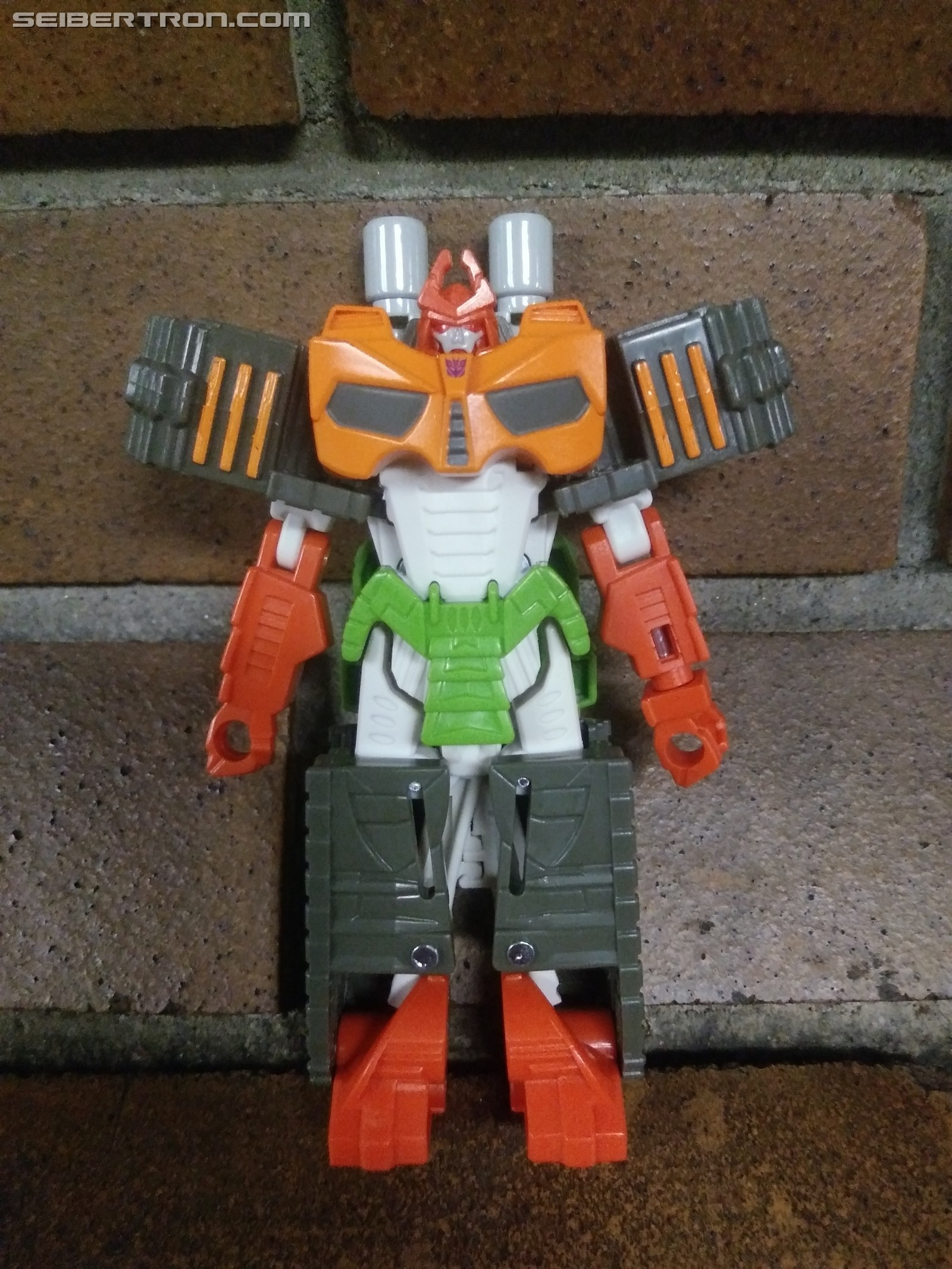 Transformers News: Pictorial review of Cyberverse Bludgeon One Step Figure