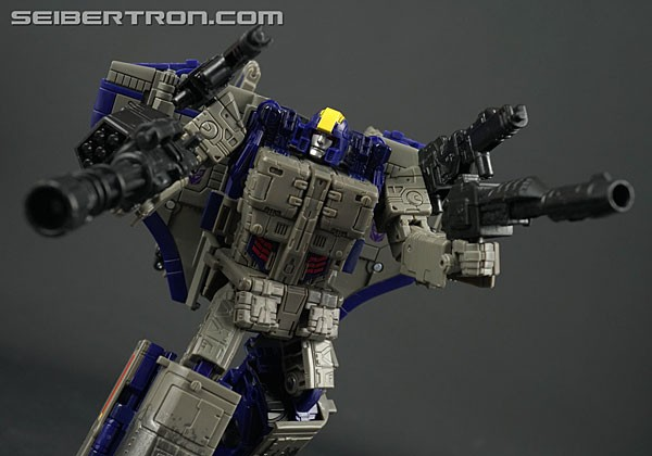 Transformers News: War for Cybertron: Siege Astrotrain Video Review
