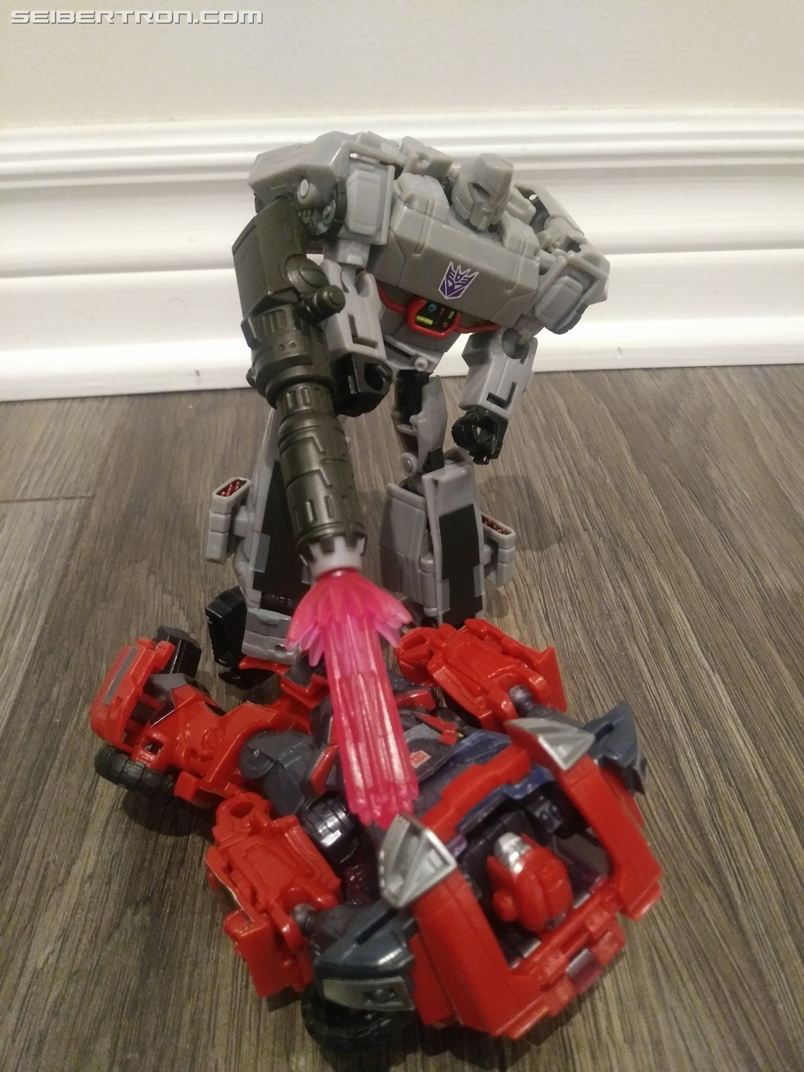 Transformers News: Pictorial Review of Deluxe Megatron from Transformers Cyberverse